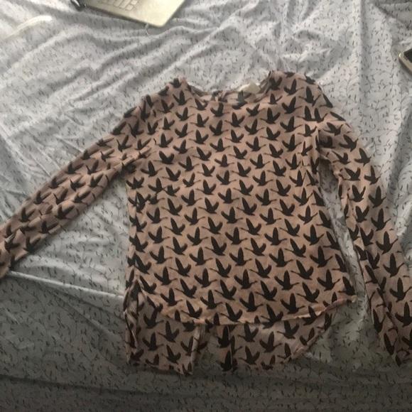 H&M Tops - Long sleeved bird pattern button down shirt
